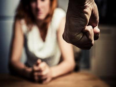 Mi esposo me golpeo por primera vez Que debo hacer - Beliefnet