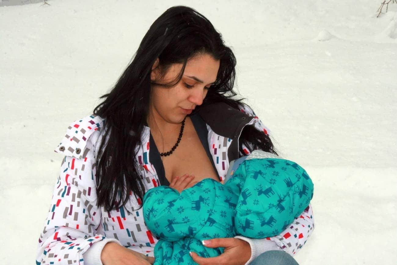 imagenes de mujeres dando pecho a bebe