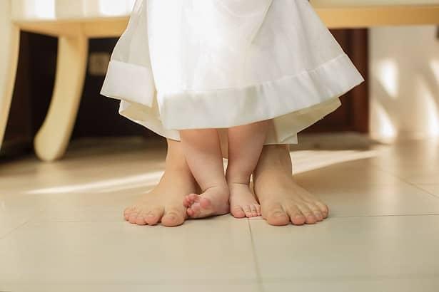 Quitarse los zapatos antes de entrar a la casa