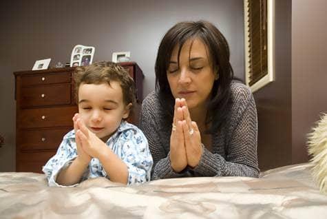 bedtime prayer mom kid