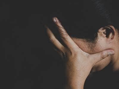 depression-woman-sad-dark-cry