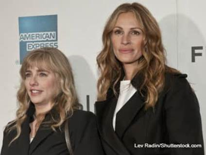 Julia Roberts and Lisa Roberts Gillian
