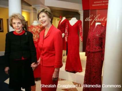 Laura Bush and Nancy Reagan