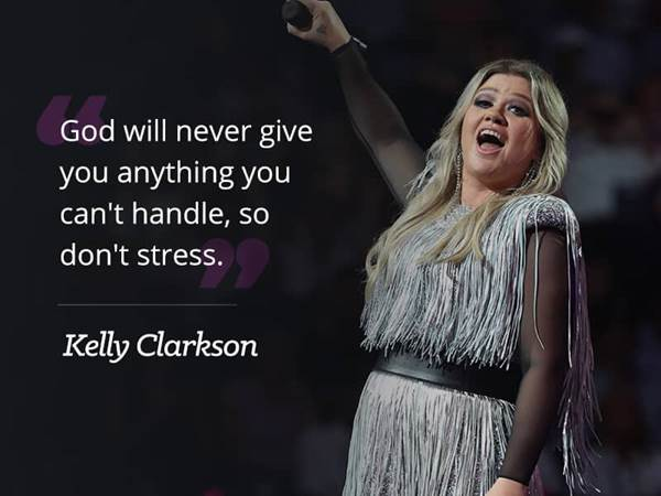 02-kelly-clarkson