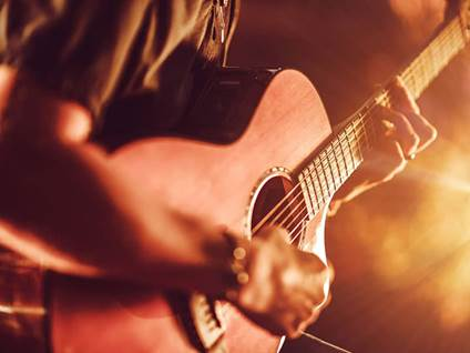 entertainment-music-man-guitar