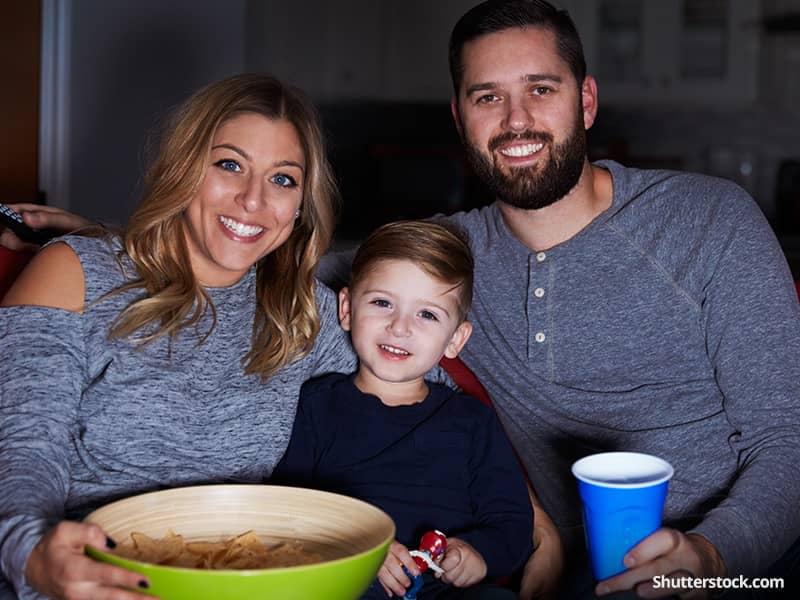 entertainment-tv-family-popcorn
