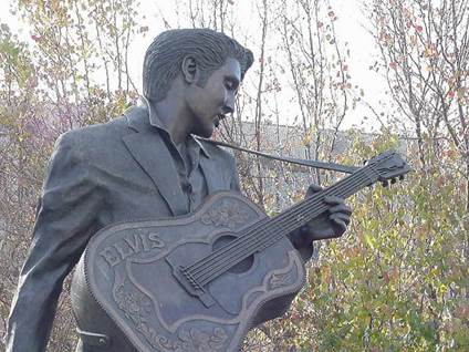 guitar statueB