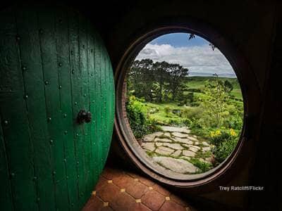 Hobbit door 2  Flikr Trey Ratcliff