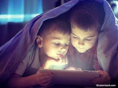 people-children-entertainment-ipad