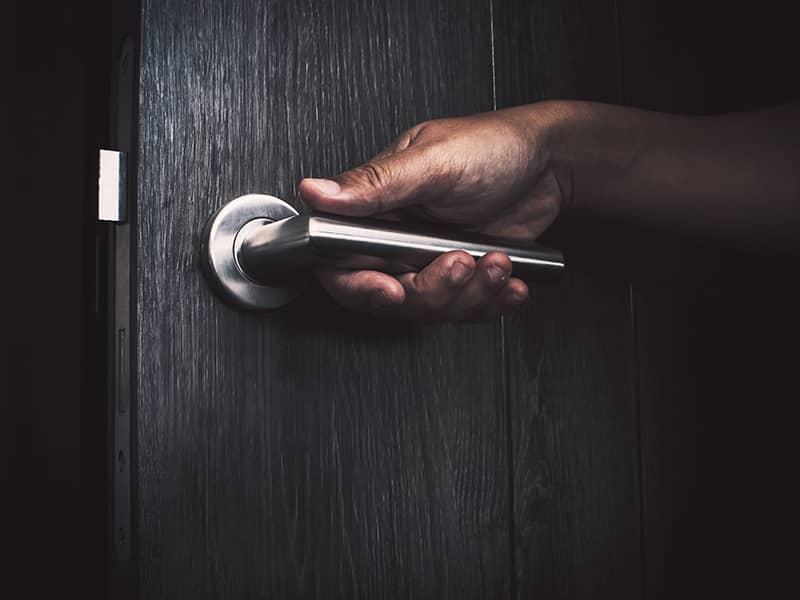 open door sneak