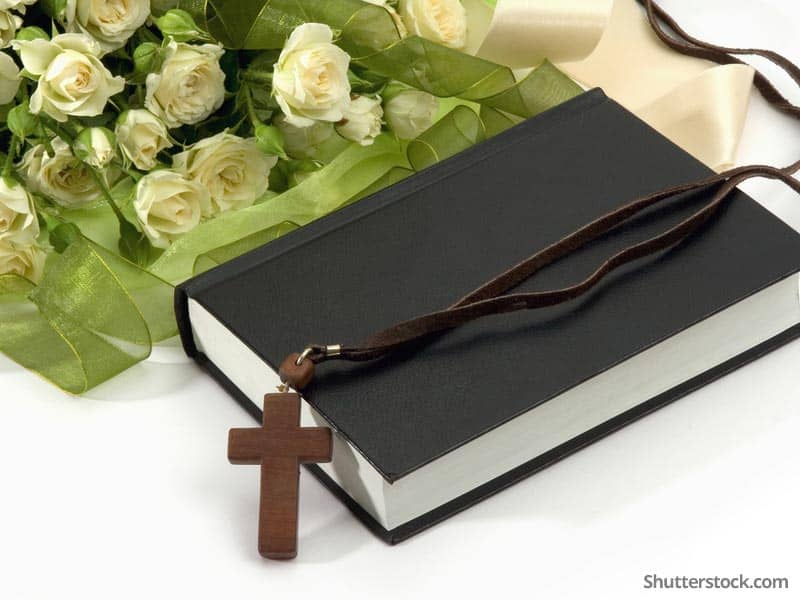 christian-bible-cross-roses