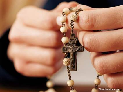 christian-catholic-rosery-prayer-hands