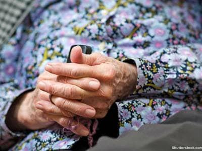 elderly, woman, praying