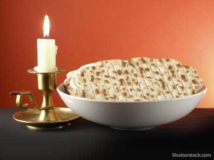 passover-jewish-matza-candle