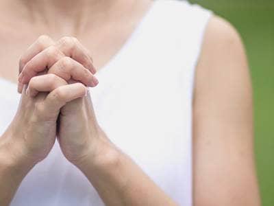faith-christian-prayer-woman-purity