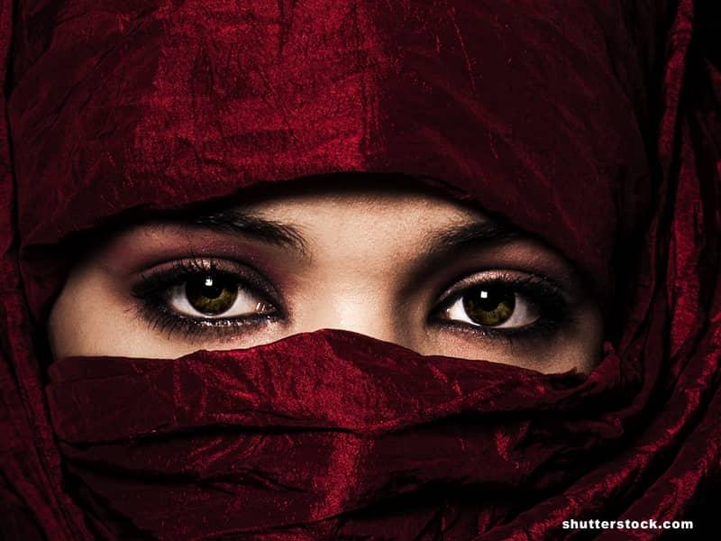 woman veil bible red