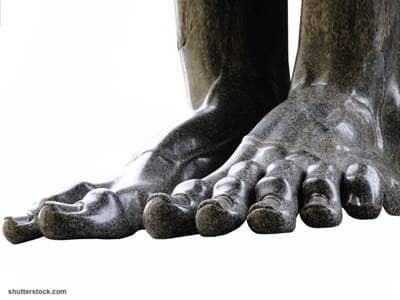 giant feet statue