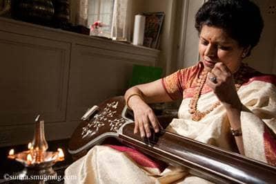 Chandrika Tandon with tanpura