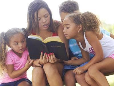 kids reading
