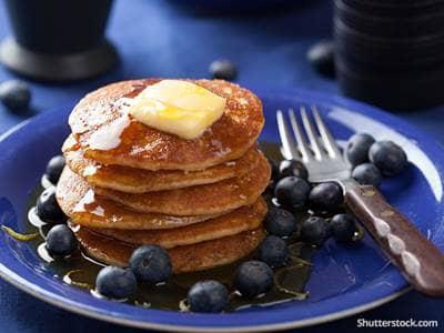 food-pancakes-breakfast-blueberries