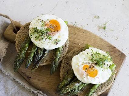 Asparagus egg toast