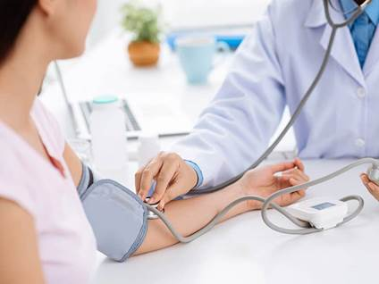 health-people-dr-bloodPressure