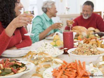 thanksgiving-family-meal