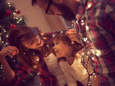 holidays-christmas-family-tree-decorate-lights