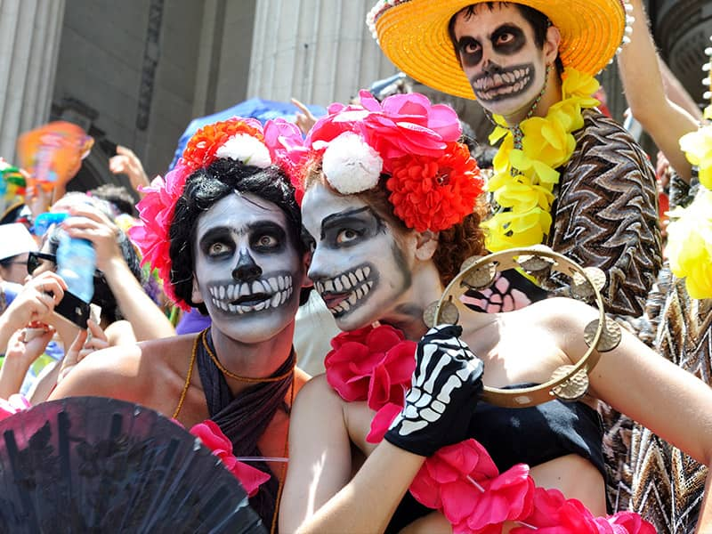 A Lively Celebration of Death | Dia de los Muertos | The Day of ...