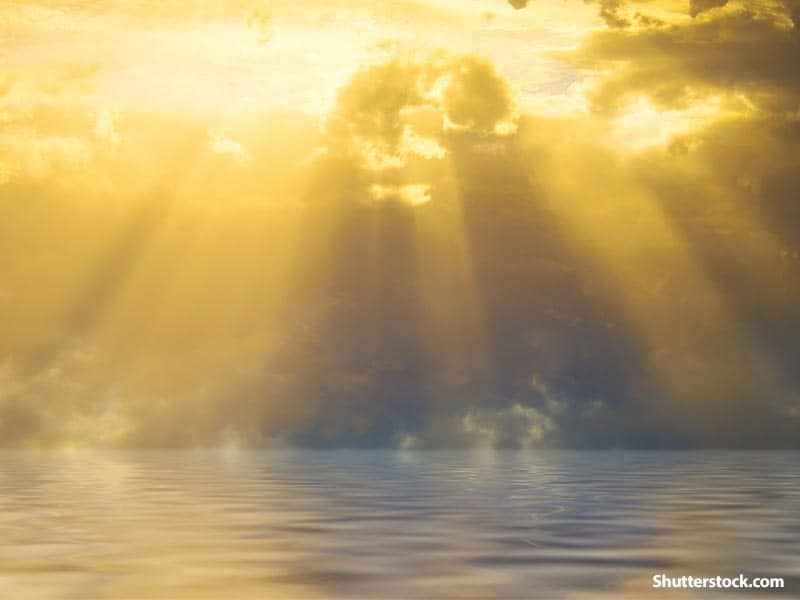 nature ocean sunrays