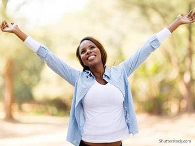 woman-praise-outdoors