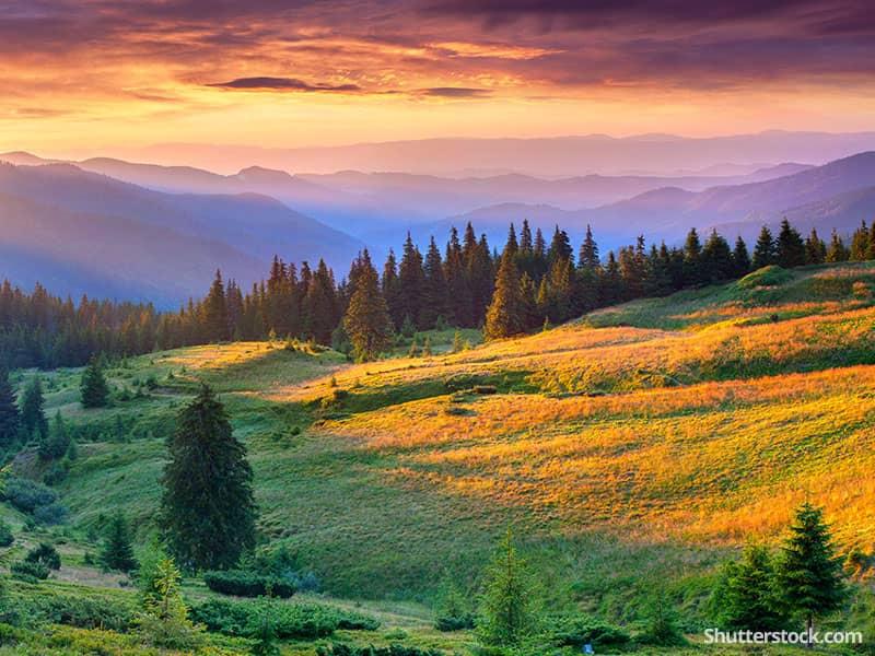 nature-mountains-sunset-valley