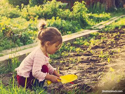 people-child-play-gardening