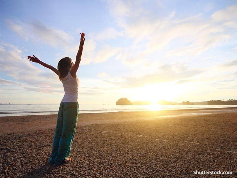people praise beach