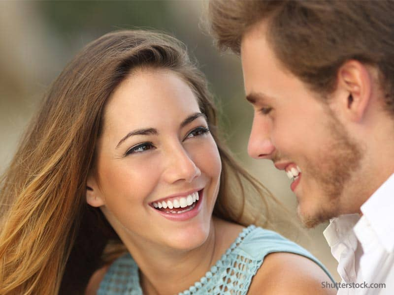 couple-happy-lauging