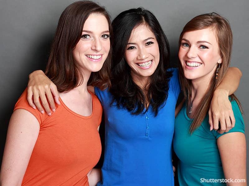 women-friends-group-happy