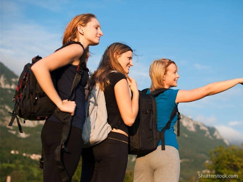 women-traveling