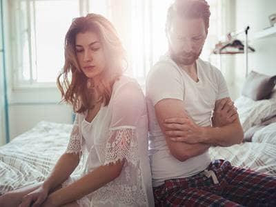 couple-unhappy-fight-divorce-marriage-bedroom