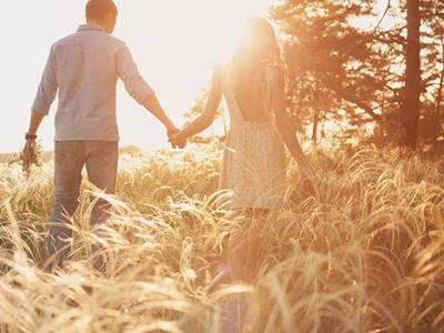 4 Signs Your Partner Said I Love You Too Soon Rushing Relationship