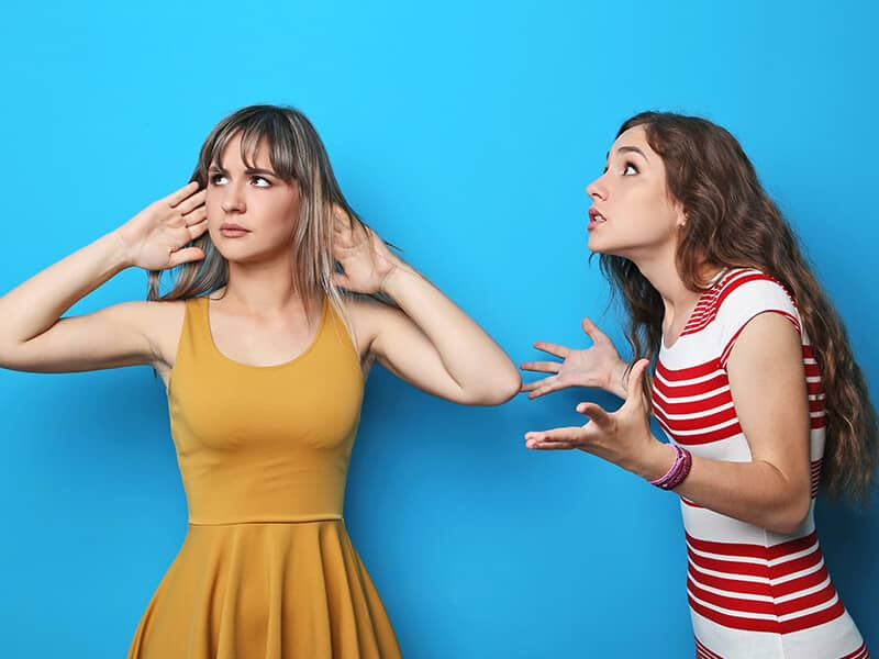 friends-fighting-women-not-listening-blue_