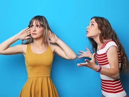 friends-fighting-women-not-listening-blue_