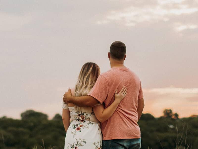 relationships-couple-love-sun-kiss-inspiration-sky-outside