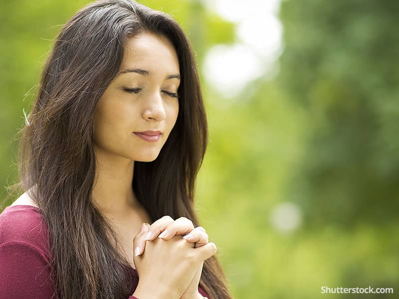 woman-happy-prayer-outside