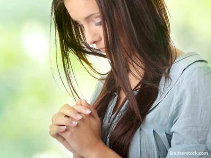 woman-prayer-faith-greenBG