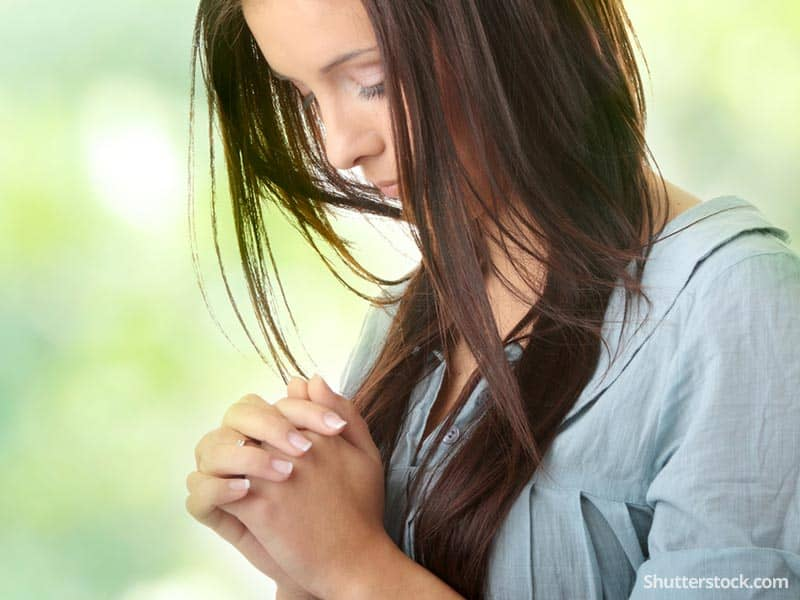 woman-prayer-faith-greenBG
