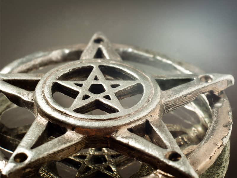 Spellbound Wicca Pagan Religion What Do Pagans Believe