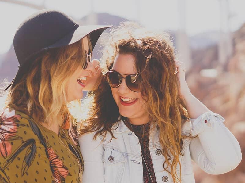 relationships-friends-women-laugh-summer