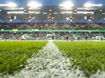 sports-soccer-field-stadium-crowd
