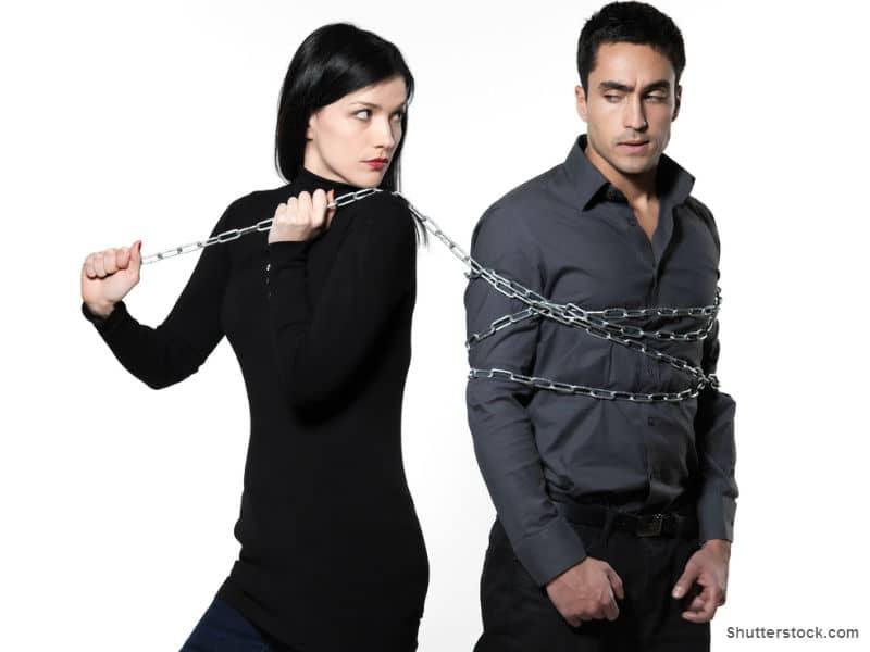 Woman chain around boyfriend