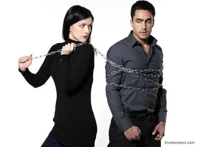 Woman chain around boyfriend